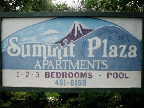 Summit Plaza