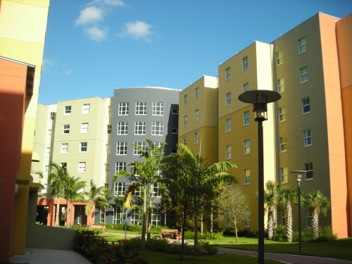 on-campus housing at fiu