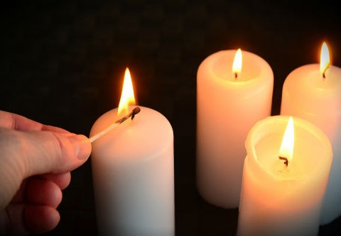 candles-1076675_960_720