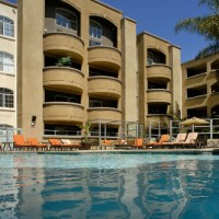 AIMCO_apartment_exterior_pool