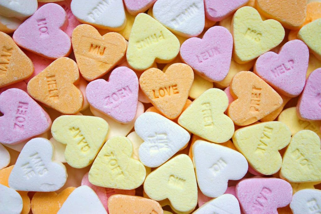 Valentine's Day Party at Your Apartment on a College Budget