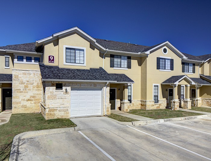 bishops square apartments in san marcos texas
