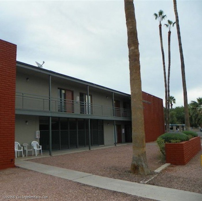 Hampton Court apartments in Mesa, Arizona