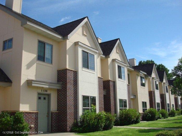 Ames Lake Neighborhood apartments in St Paul, Minnesota