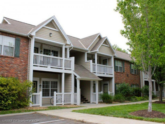 Tuckaway Apartments In Lawrence Kansas