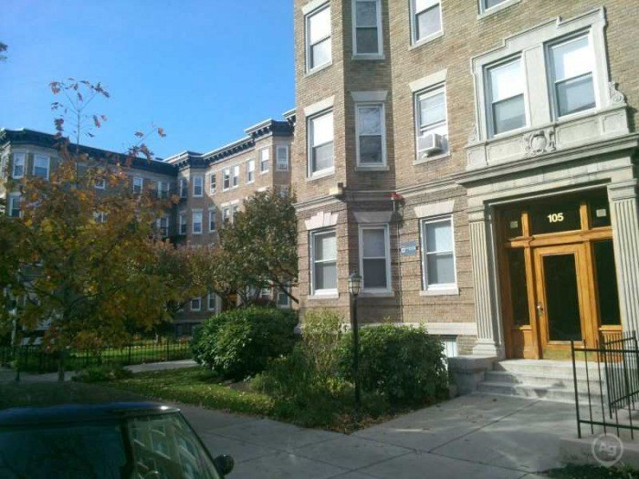 107 Queensberry Street apartments in Boston, Massachusetts