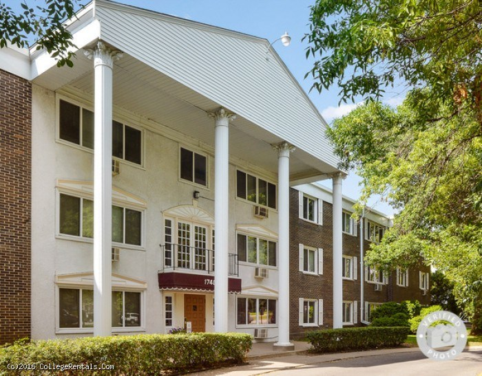 Larpenteur Manor Apartments In St Paul Minnesota