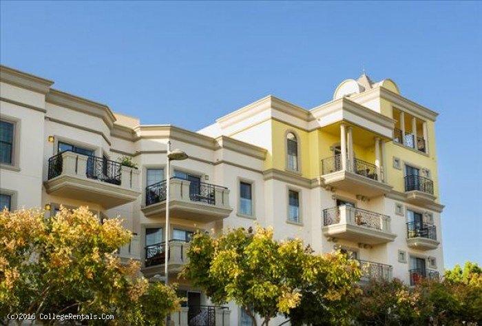 Apartments Near Santa Monica Community College