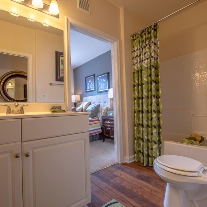 Apartments In Hampton Va: Bridgewater On The Lake Apartments In Hampton, Virginia