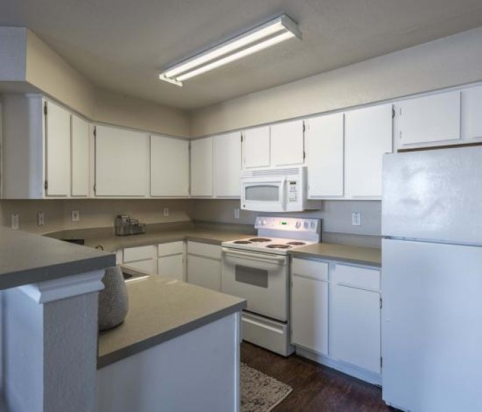 Rent Controlled Apartment: College Edge At Bryan Apartments In Bryan, Texas
