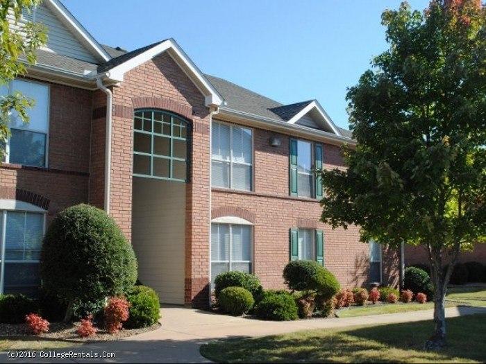 The Ridge at Meadowlake apartments in Conway, Arkansas
