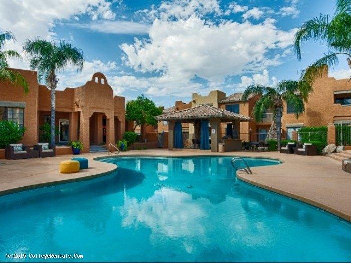 Cabrillo apartments in scottsdale arizona for 3 bedroom apartments in scottsdale