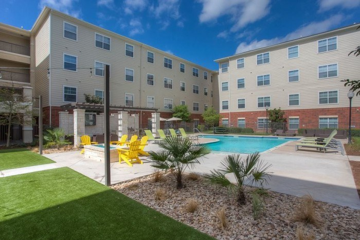 Bosque Crossing apartments in Stephenville, Texas