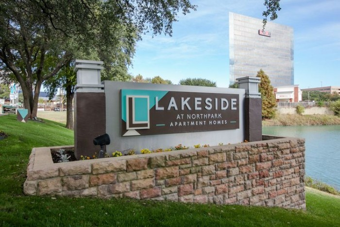 Lakeside at Northpark apartments in Dallas, Texas