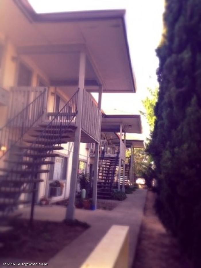 Eagles Nest Apartments In Carmichael California