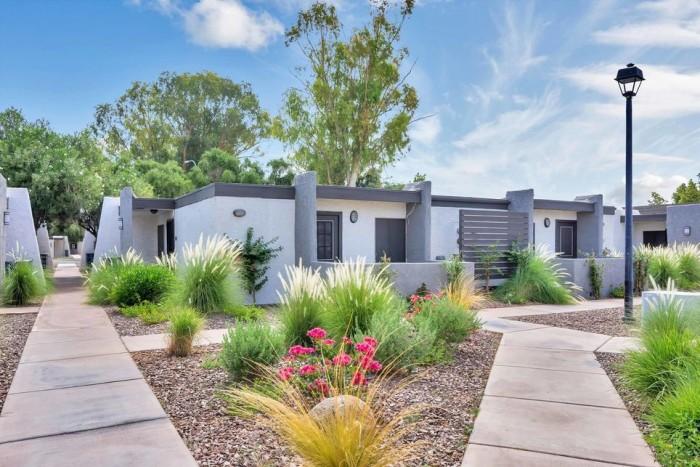 Modern on gilbert apartments in mesa arizona for 2 bedroom apartments in mesa az
