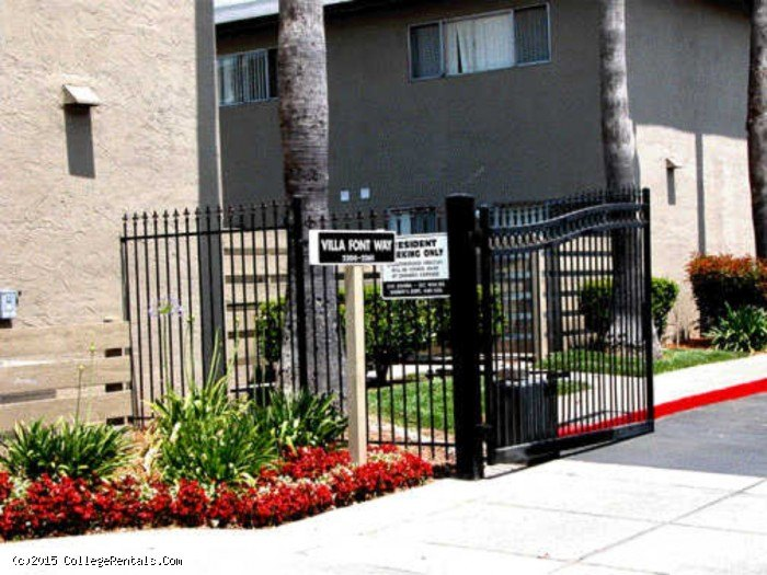 The Pointe Townhomes apartments in Sacramento, California