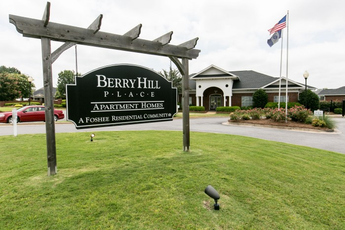 Berry Hill Place apartments in Montgomery, Alabama