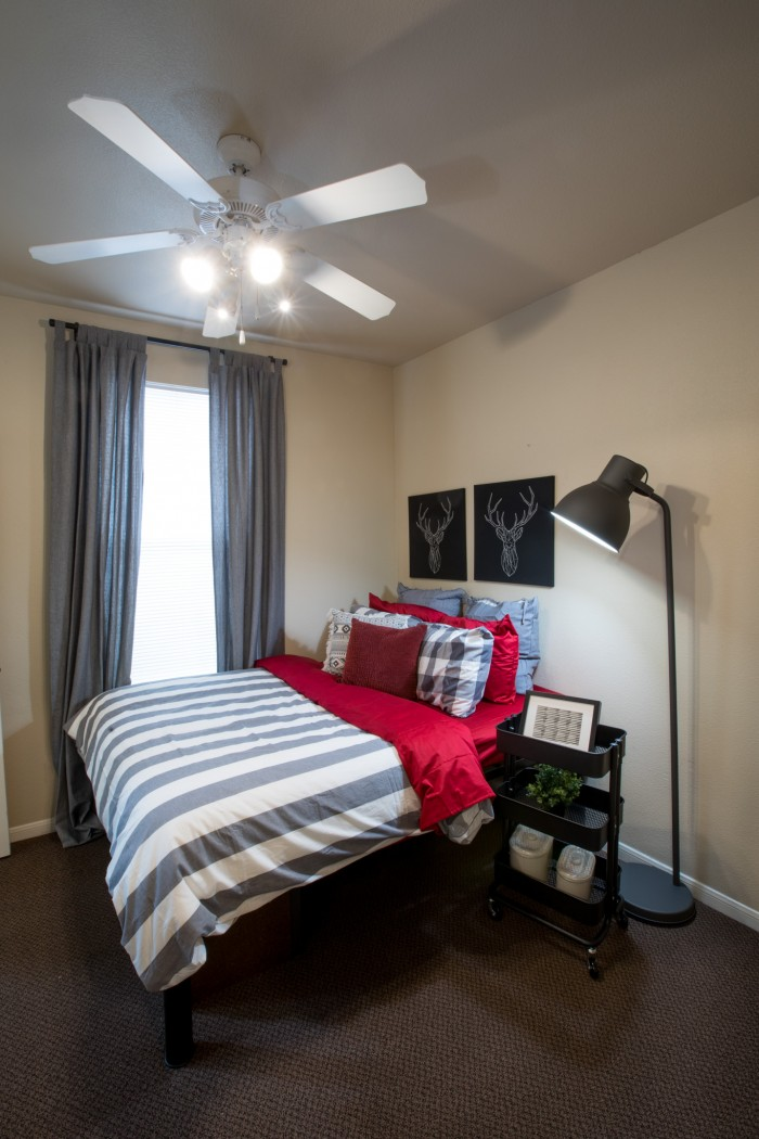 Parkway Place apartments in College Station, Texas
