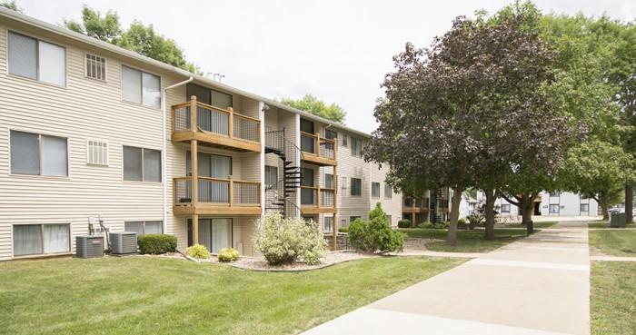 2 Bedroom Apartments In Cedarfalls Iowa College Rentals