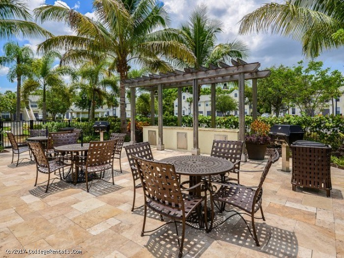 Bay Harbor Apartments In Fort Myers Florida