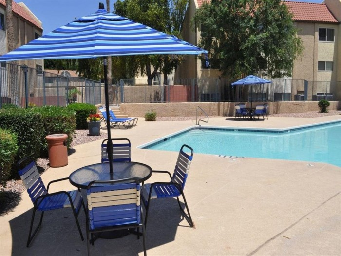 Sanctuary on Broadway  apartments in Tempe, Arizona