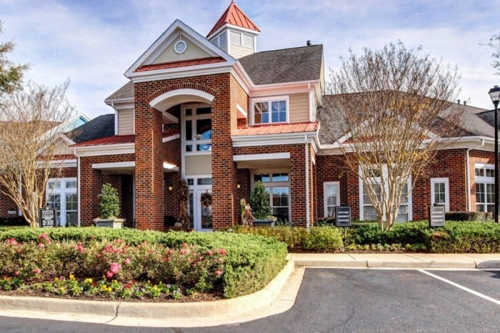 Banyan Grove at Towne Square apartments in Virginia Beach, Virginia