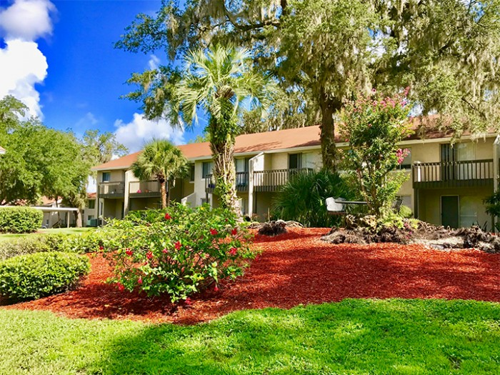 Peppertree Village apartments in Lakeland, Florida