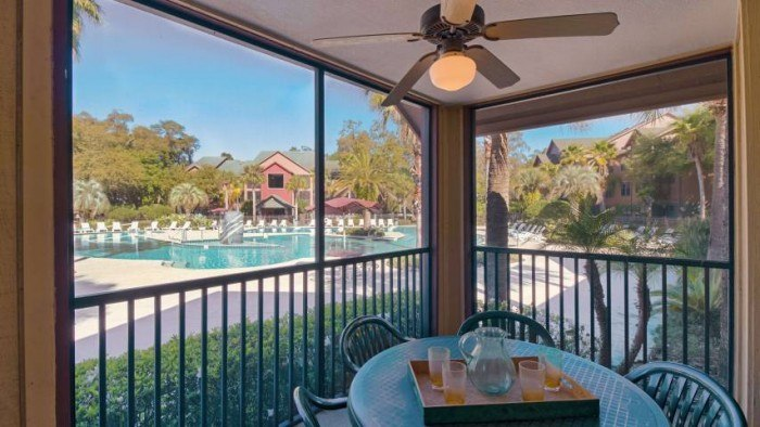 Campus Lodge apartments in Gainesville, Florida