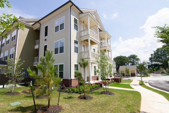 High Point at Jackson Walk apartments in Jackson, Tennessee