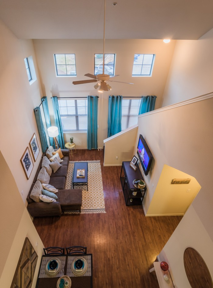 Student Living Room Decor: 2818 Place Apartments In College Station, Texas