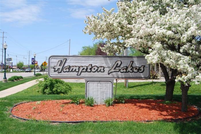 Hampton Lakes apartments in Grand Rapids, Michigan
