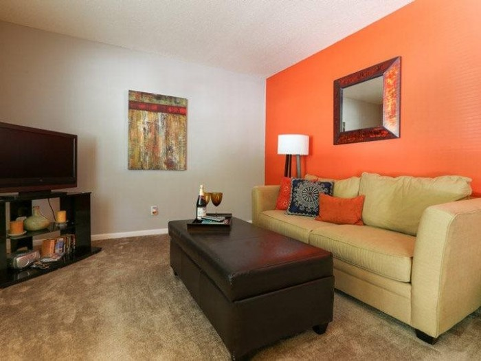 Signature Place apartments in Greenville, North Carolina