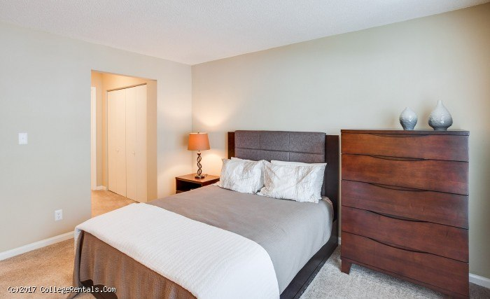Poplar place apartments in carrboro north carolina for Poplar place