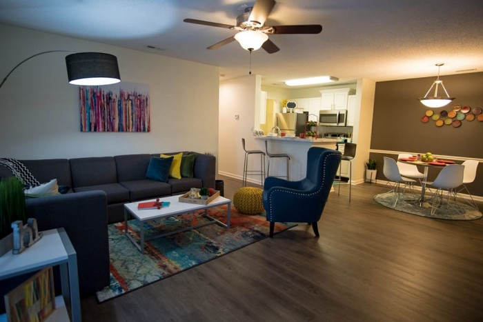 Rivers edge at carolina stadium apartments in columbia south carolina for One bedroom apartments in columbia sc