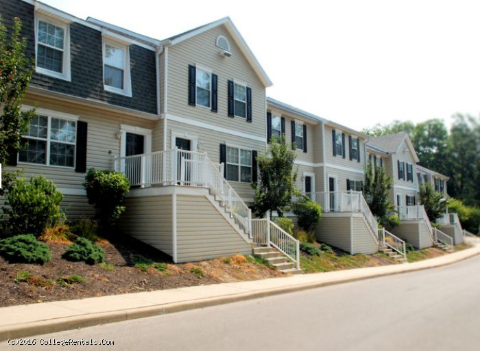 Copper beech townhomes at bloomington apartments in - 4 bedroom apartments bloomington in ...