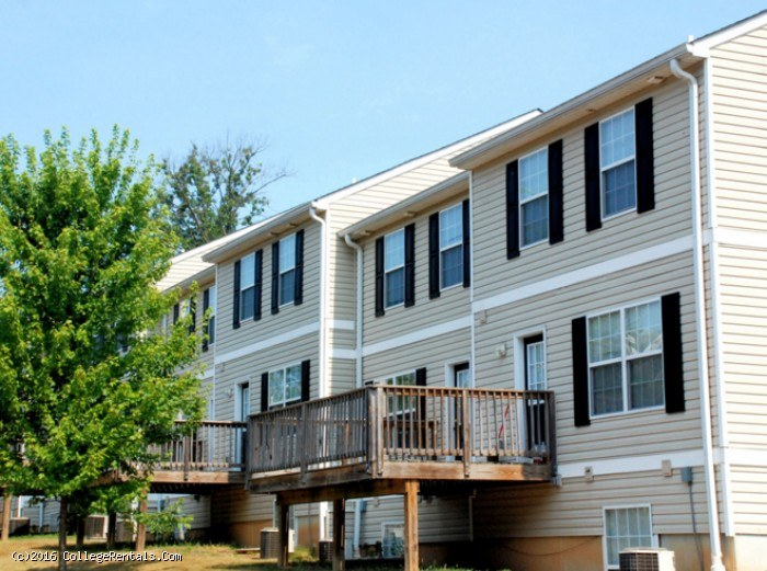 Copper beech townhomes at bloomington apartments in for Bloomington indiana home builders