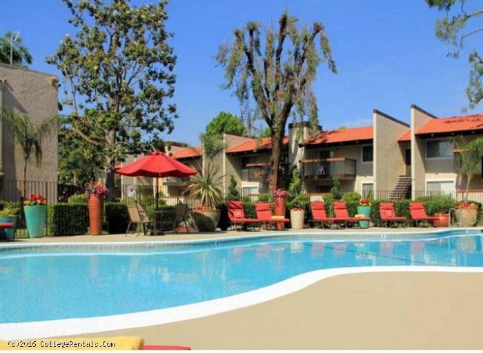 Campus Edge Fresno Apartments In Fresno California