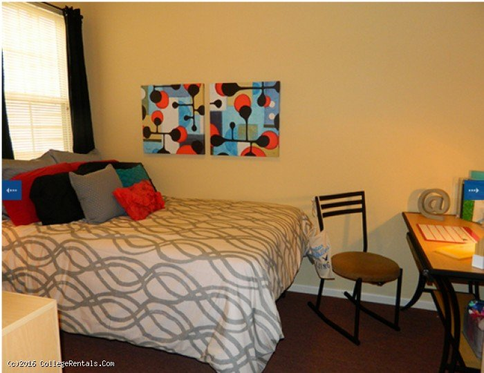 University Village At Fresno Apartments In Fresno California