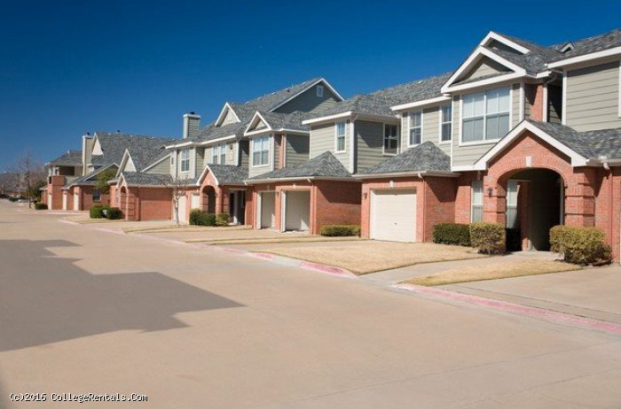 Prairie creek villas apartments in richardson texas for Villas apartments