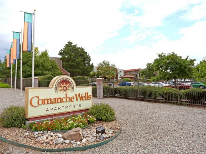Comanche Wells Apartments In Albuquerque New Mexico