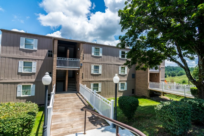 1 bedroom apartments in morgantown west virginia college rentals for One bedroom pet friendly apartments morgantown wv