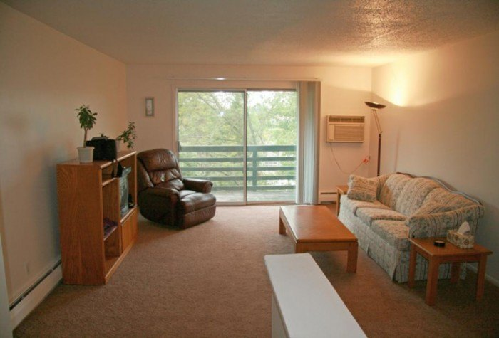 Westchester woods apartments in kalamazoo michigan for One bedroom apartments kalamazoo mi