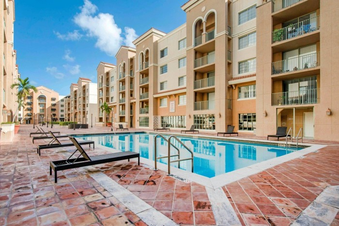 Gables Grand Plaza Apartments In Coral Gables Florida