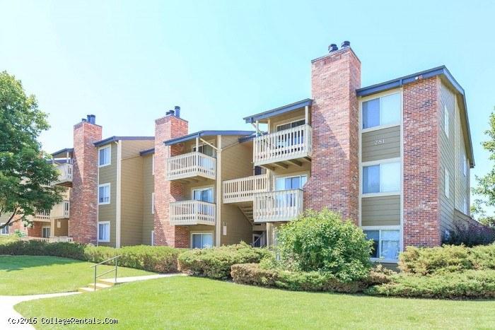 Highline Village Apartments In Aurora Colorado