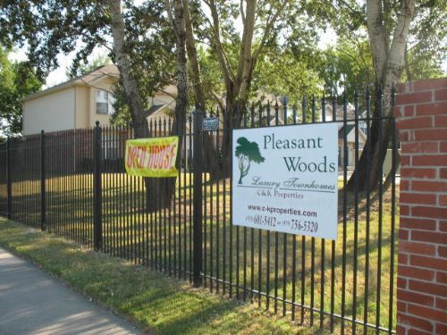 Pleasant Woods Townhomes