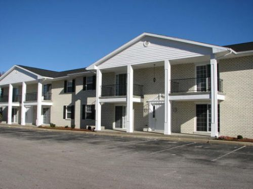 Addison Place apartments in Evansville, Indiana
