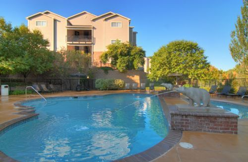 Carmel Bear Creek apartments in Lakewood, Colorado