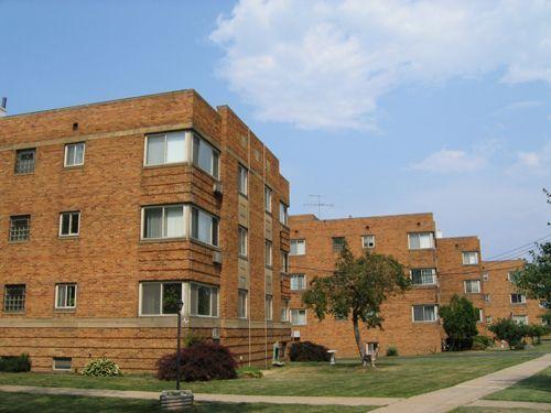 Highland House apartments in Lakewood, Ohio
