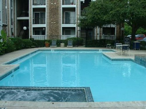 Contour Place apartments in San Antonio, Texas
